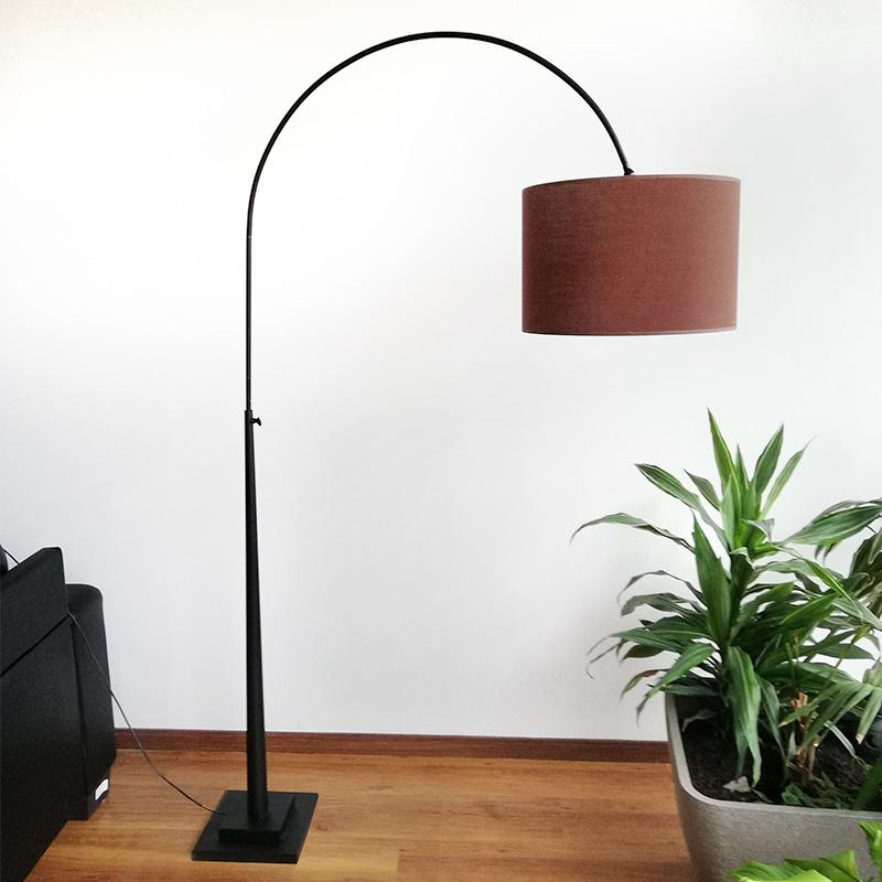Lámpara pie marrón pantalla de Berlín Nwm08vn